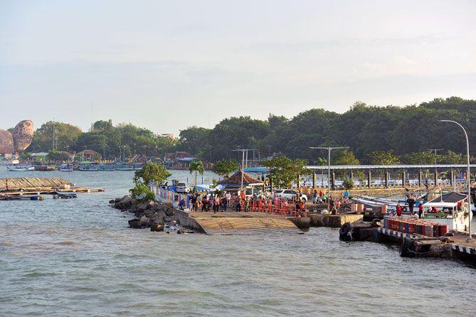 Pelabuhan Pantai Kartini Jepara