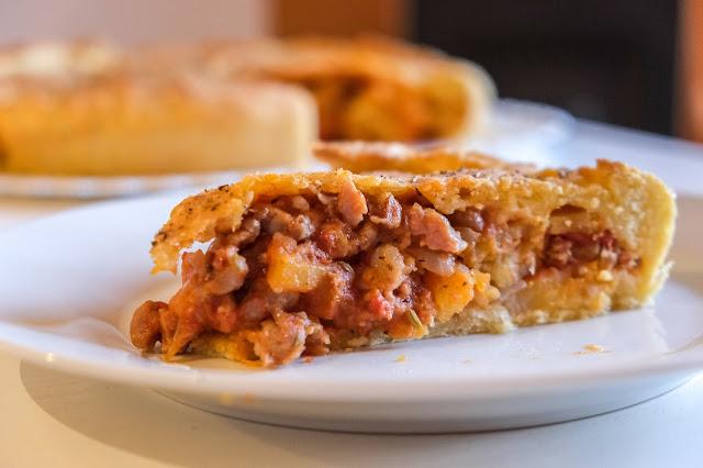 Ricetta antica della Sciavata di Menfi con patate, cipolla e salsiccia