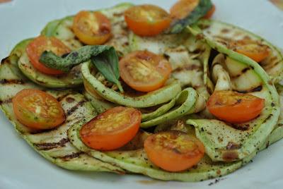 salata calda de dovlecei