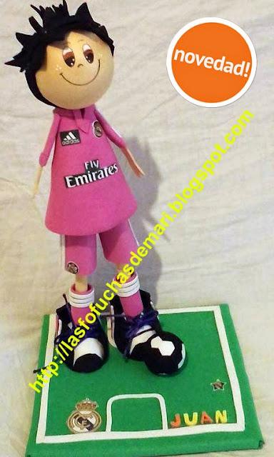 Jugador Real Madrid. Segunda equipación fucsia 2014. JUAN