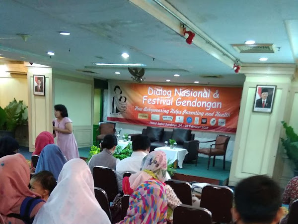 """Dialog Nasional """"How Babywearing Helps Parenting and Health"""""""