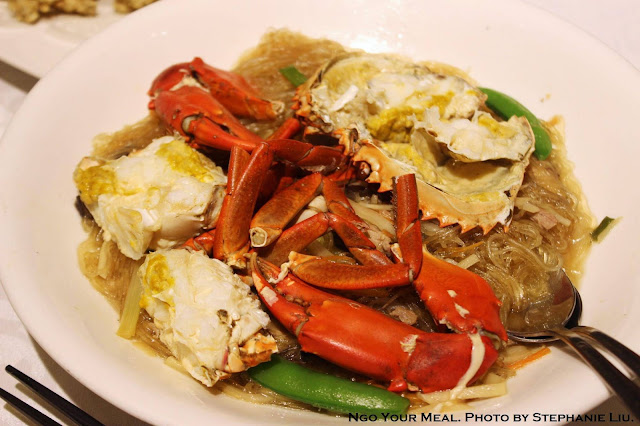 Wok-Seared Fresh Crab on Bean Thread Noodles 蟳仔冬粉 at 欣葉 in Taiwan