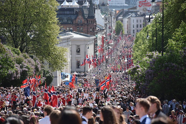 Czy warto pojechać do Norwegii? Dlaczego trzeba odwiedzić ten skandynawski cud natury? Poznaj 6 powodów, które przekonają Cię do wizyty w Królestwie Norwegii.