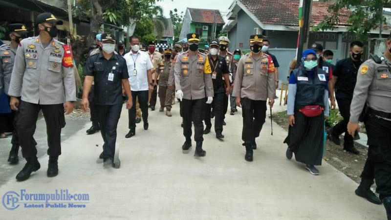 Wakapolda Metro Jaya Kunjungi Kampung Tangguh di Bekasi Dan Ajak Petugas Jangan Kendor Tangani COVID-19