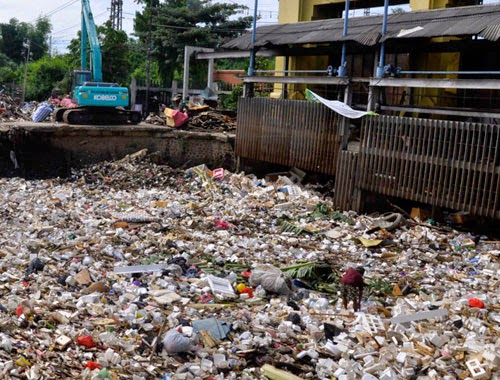 Tumpukan Sampah Manggarai