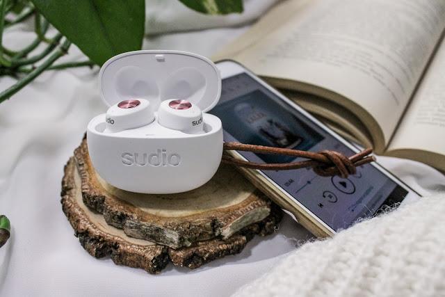 Na jakim sprzęcie słuchać audiobooków? - Słuchawki bezprzewodowe Sudio Tolv