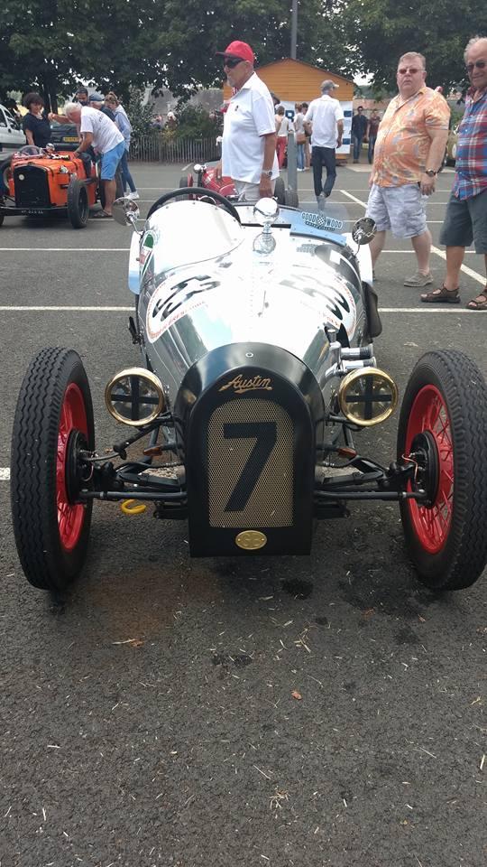 voiture ancienne vintage de course