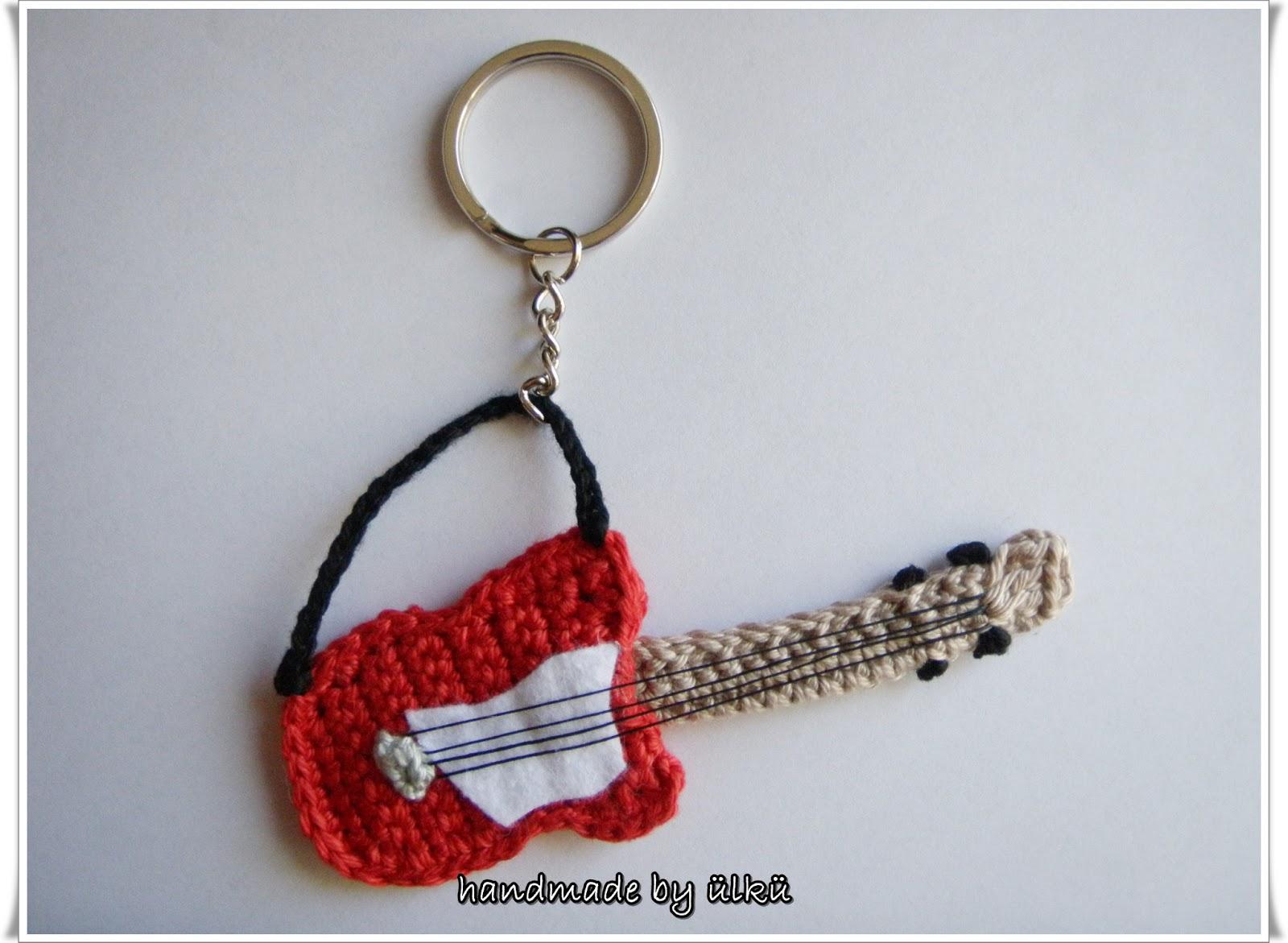 Handmade By ülkü Amigurumi Gitarre Schlüsselanhänger Crochet