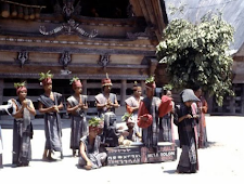 Objek Wisata Sigale Gale Khas Budaya Batak