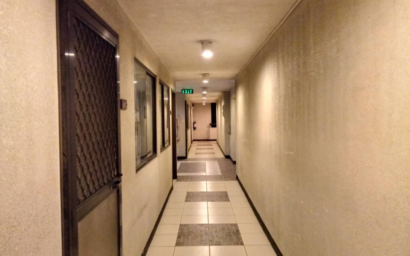 LG Stylus 3 Review - Rear Camera Sample - Hallway at Night (with HDR)