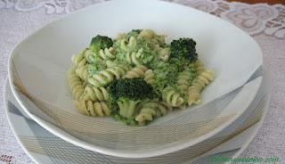 Przepis na makaron z brokułami