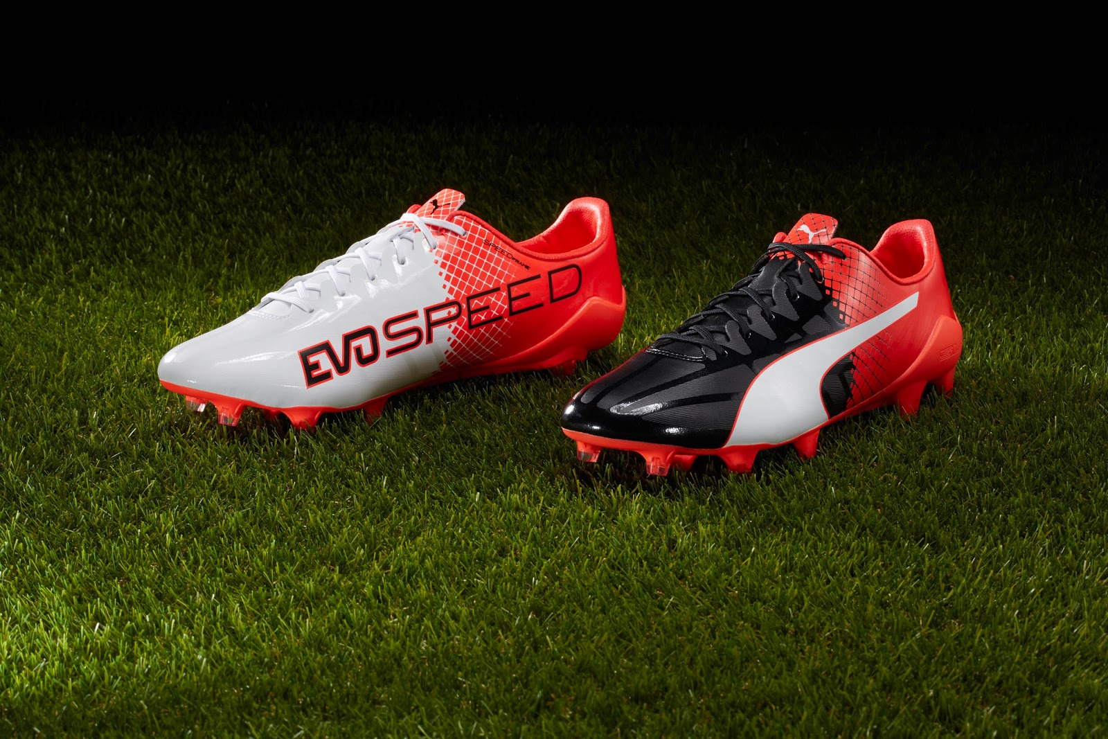 Giày bóng đá Puma 2 màu EvoSPEED SL-S II