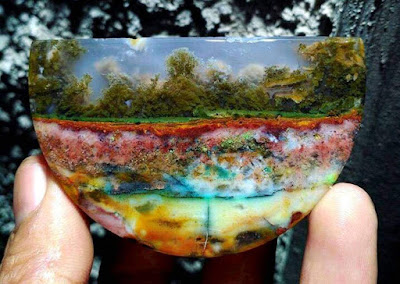 What Is Moss Agate?
