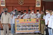 Forum RT-RW Jak-Bar Beri Bantuan Pada Korban Kebakaran Di Kedaung Kali Angke