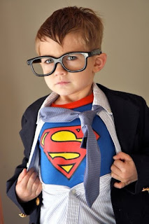 http://geektyrant.com/news/2011/10/26/kid-geek-cospaly-awesomely-cute-clark-kentsuperman.html