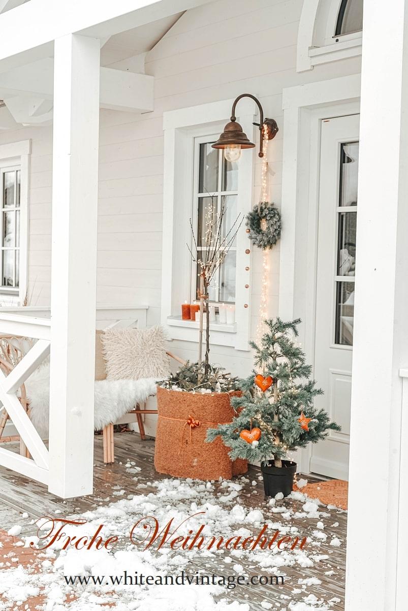 Frohe Weihnachten - Schwedenhaus weihnachtlich dekoriert