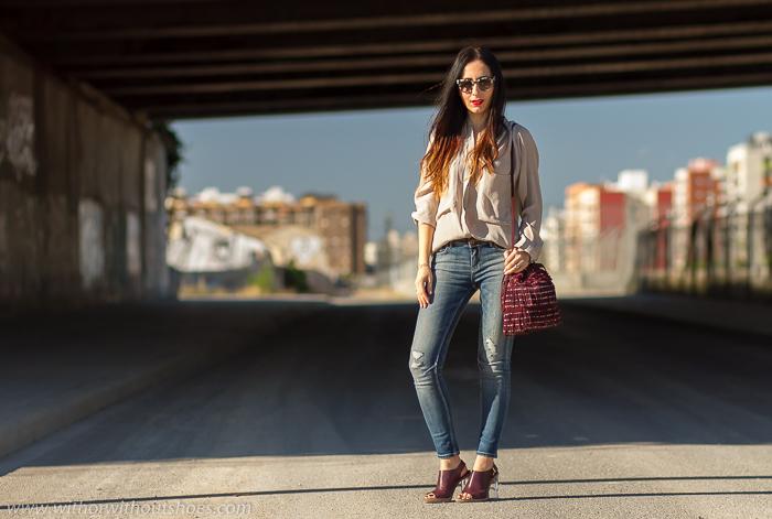 Influencers de moda españolas con looks sencillos urbanos y bonitos