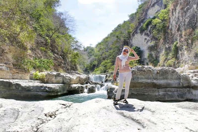 Air Terjun Tangggedu Sumba Tempat Syuting Film Susah Sinyal
