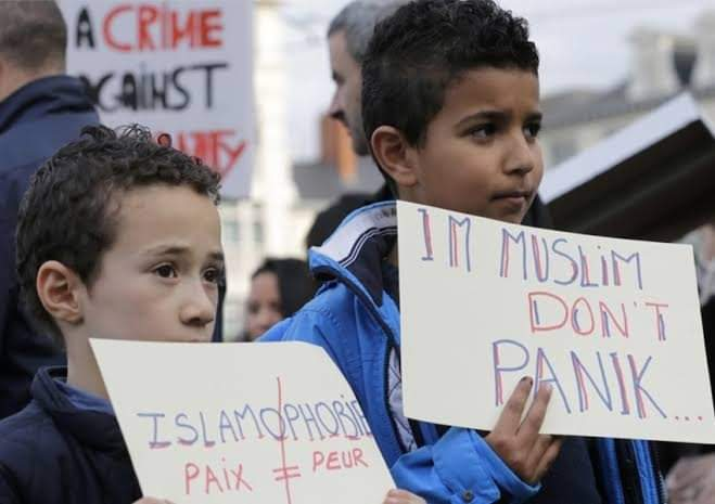 Prancis dan Fitnah Keji Terhadap Muslim Sejak Dulu