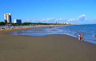 pláže Lignano odliv