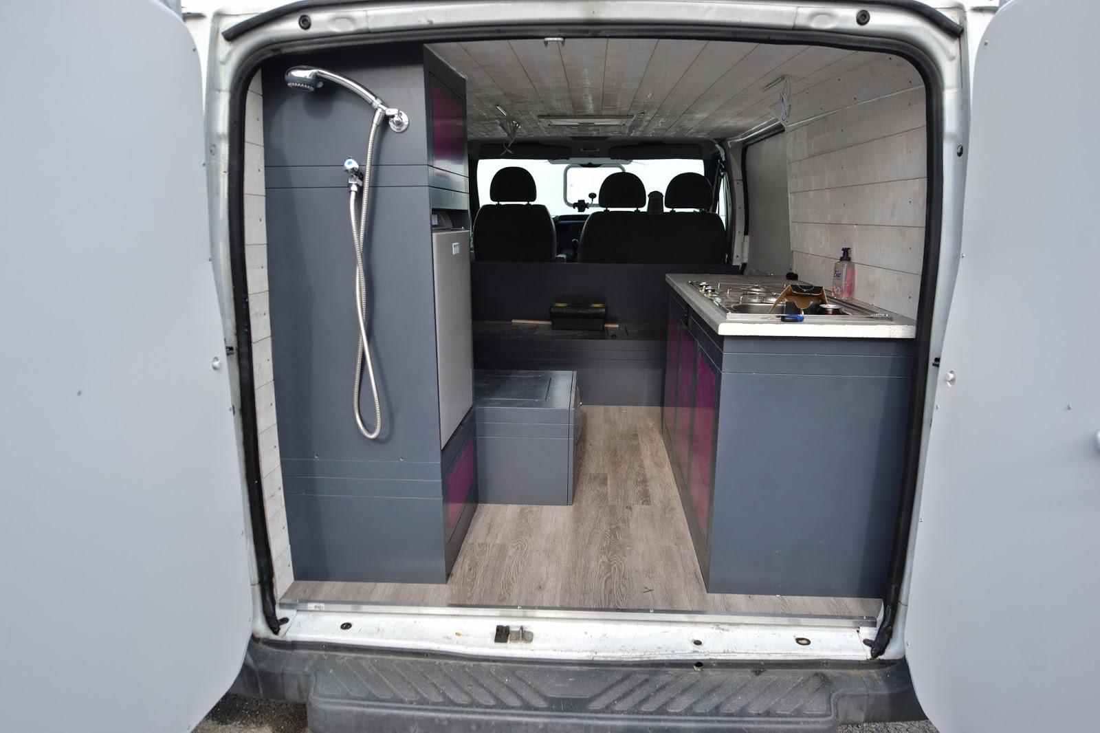 amenagement ford transit ae18 jornalagora. Black Bedroom Furniture Sets. Home Design Ideas