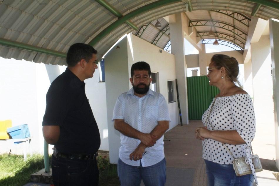 Ministério Público processa Henderson e Ney Santana propaganda irregular em outdoor