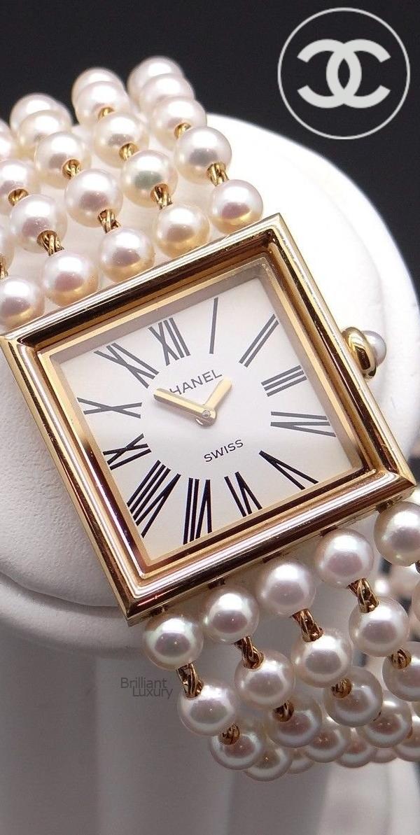Brilliant Luxury♦Chanel Vintage 18k yellow gold Mademoiselle Pearl Bracelet Watch