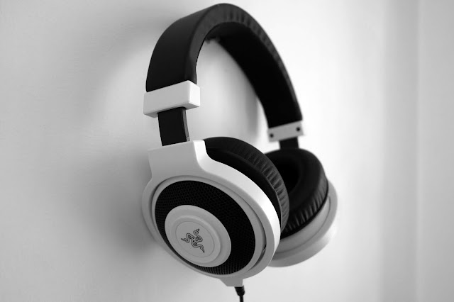 MPOW EM1 BLUETOOTH HEADPHONE