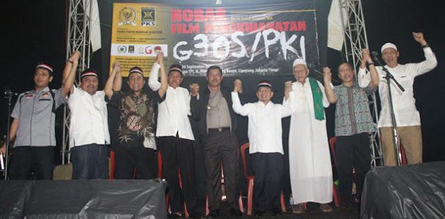 714016 05124501102017 PKS nobar PKI - Lima Ribu Orang Hadiri Nobar Film G30SPKI di Lubang Buaya