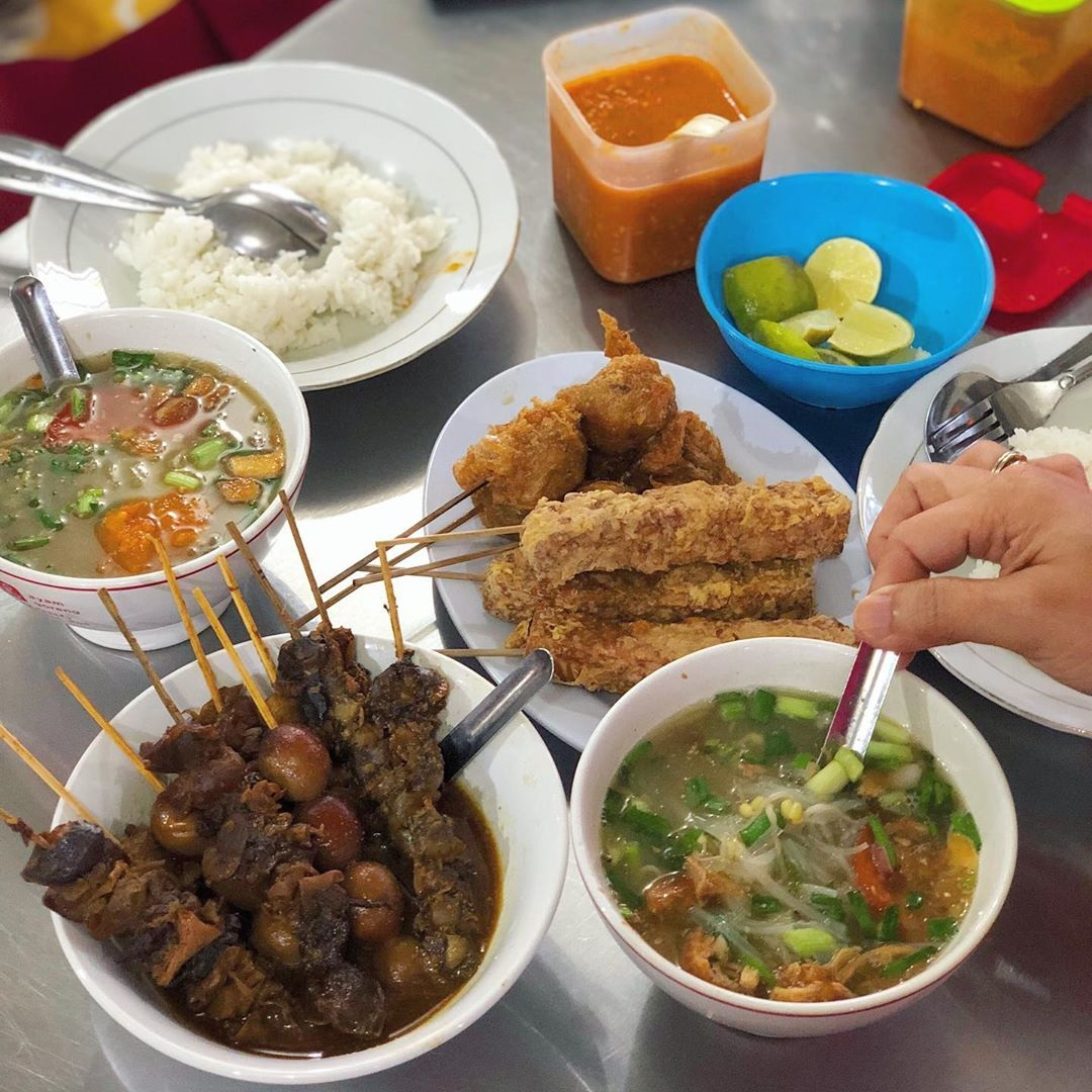 Wisata Kuliner Soto Bangkong Semarang