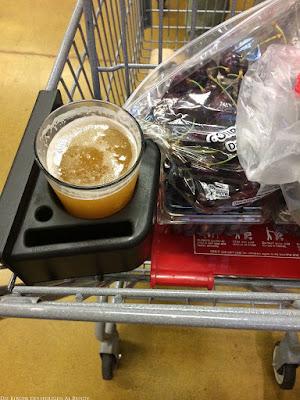 Mit Bier lustig einkaufen gehen - Bierhalter im Einkaufswagen