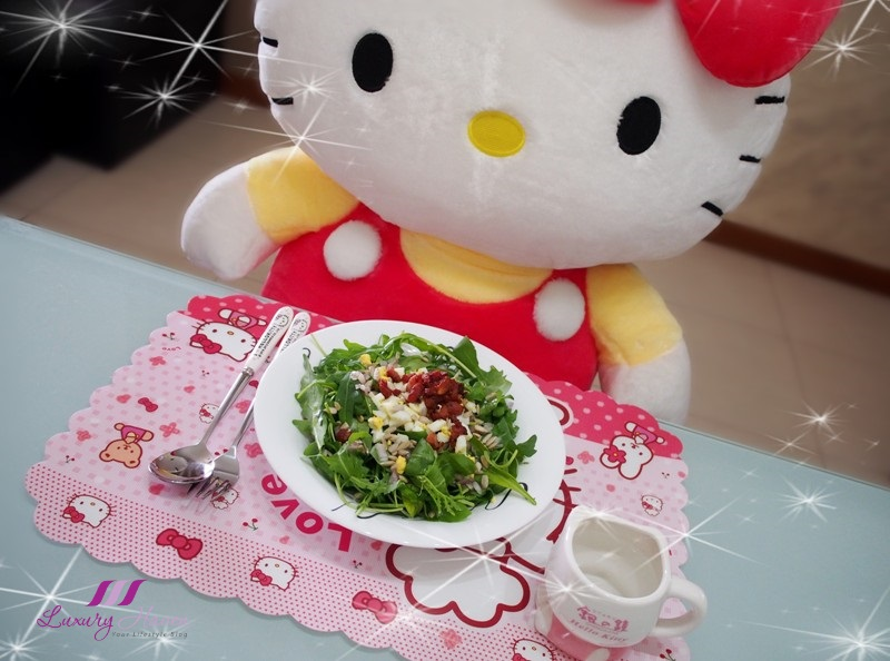 hello kitty tableware wild rocket salad bacon eggs
