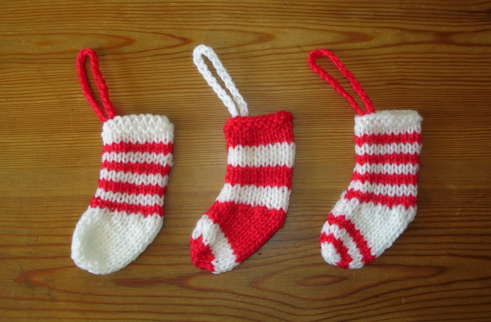 Marianna\'s Lazy Daisy Days: Mini Christmas Stocking Decorations ...