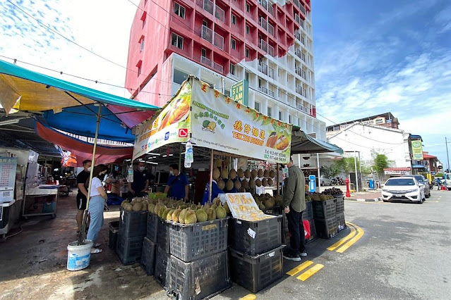 GRAB Membantu Peladang Dan Peniaga Durian Tempatan Melalui #TechUntukSemua
