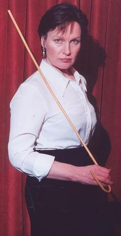 Strict lady of flogging