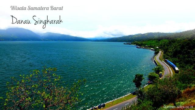 Pemandangan Siang di Danau Singkarak Sumatra Barat Indonesia