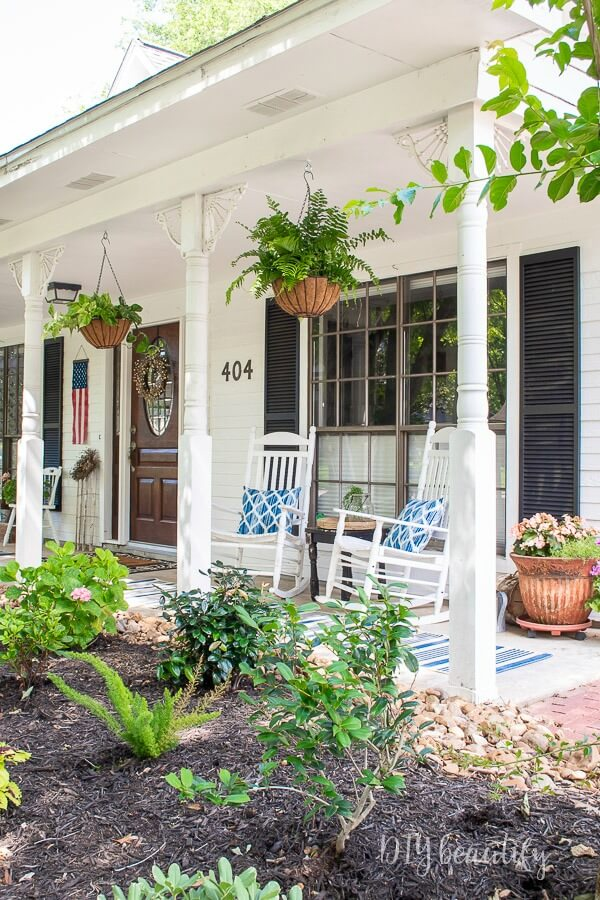 southern cottage front porch