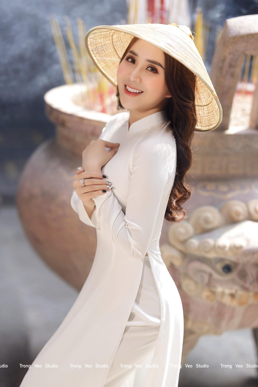 Ngắm hot girl Lục Anh xinh đẹp như hoa không sao tả xiết trong tà áo dài truyền thống - 13
