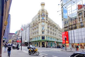 Paris : L'immeuble Félix Potin du 140 rue de Rennes, l'esthétique Art Nouveau de l'architecte Paul Auscher appliquée à un grand magasin - VIème