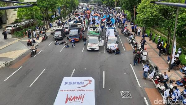 Kecewa UMK 2021 di Jatim, Buruh Ancam Kembali Turun ke Jalan