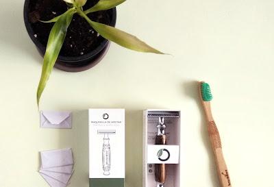 Cepillo de dientes y cuchilla | Brushboo