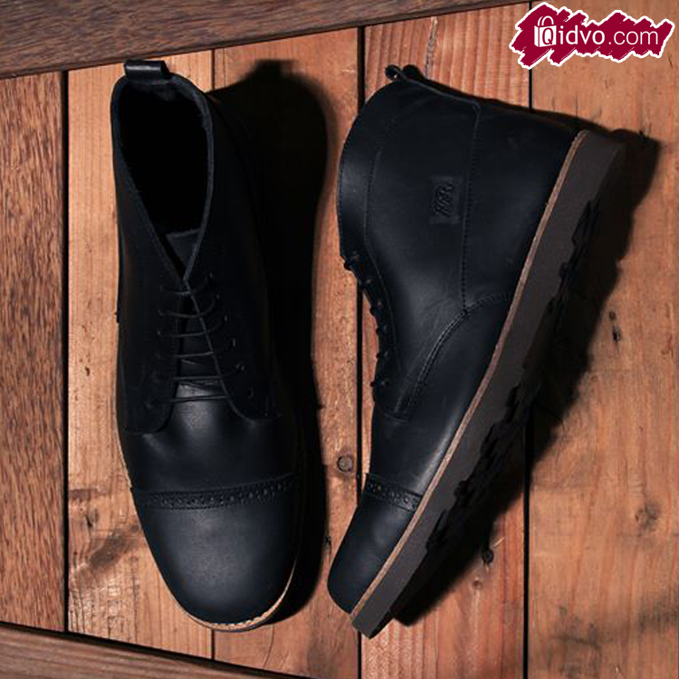 Sepatu Boots Mens Republic Bueno Chukka - Black