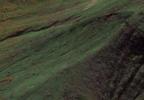 高田大岳南東斜面のカール状地形。