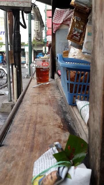 Menikmati Nasi Kucing Angkringan di Jalan Perwakilan Malioboro
