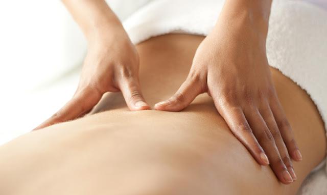 Massage trước khi quan hệ là một cách hữu hiệu để làm giảm đi cơn đau do bệnh gây ra