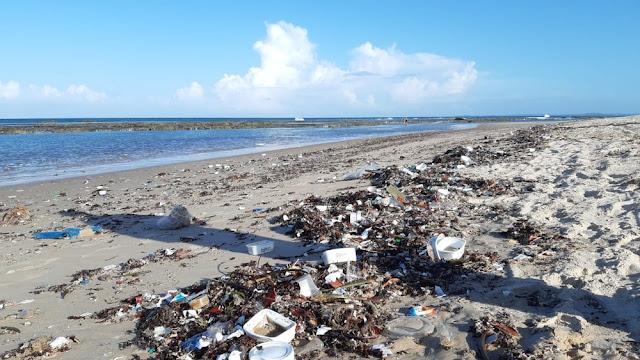 Sesap emite orientação para retirada de lixo do litoral