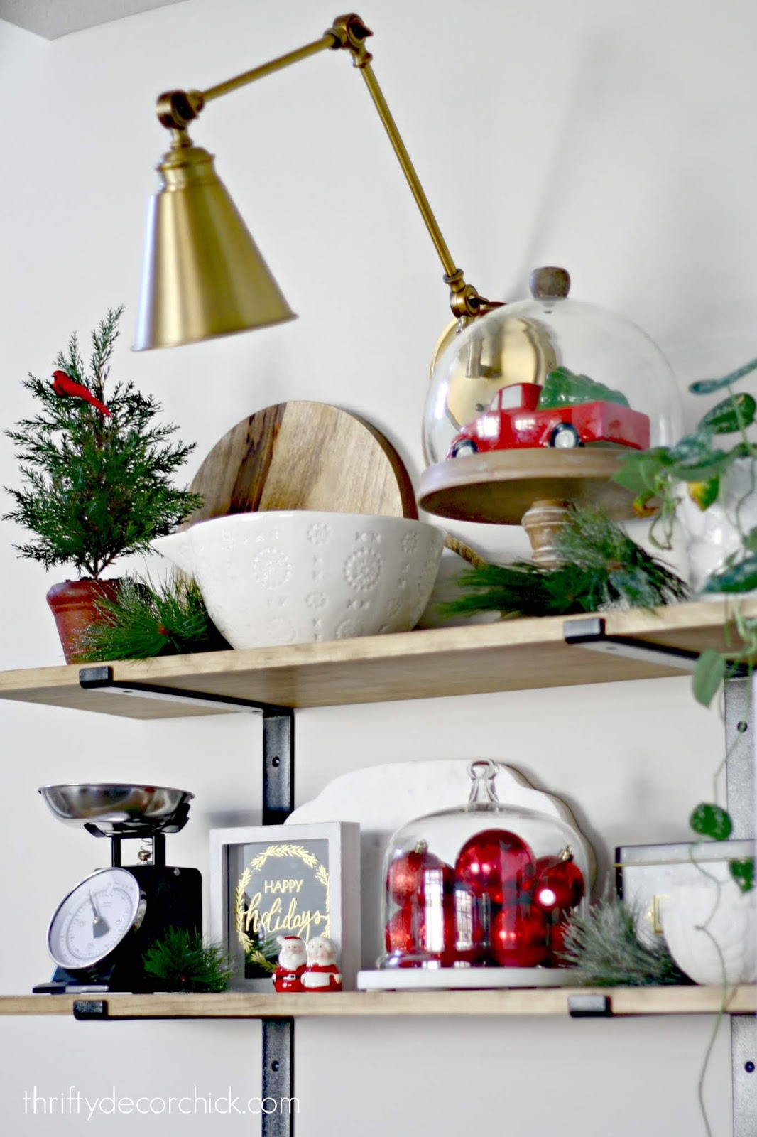 Decorating kitchen shelves for Christmas