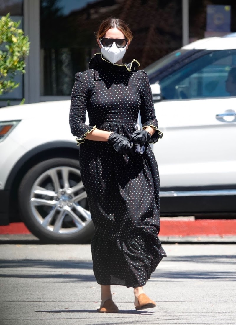 Ashley Tisdale Wearing Mask, Gloves and Eyewear  in Los Angeles 11 Aug -2020
