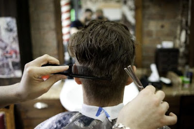 German Man ASSAULTS Barber After Getting Dodgy Haircut...