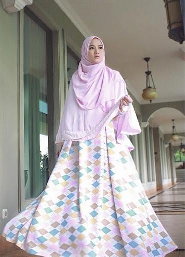 Trend model busana muslimah yang modis, trendy tapi syar'i terbaru untuk lebaran 2017/2018